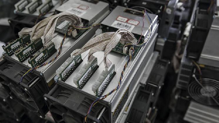 Майнинговые компании удерживают добытые в сентябре BTC