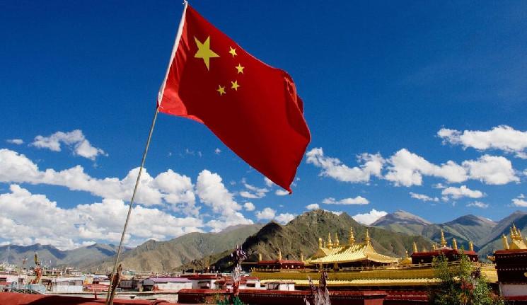 Президент Китая продолжает поддерживать блокчейн